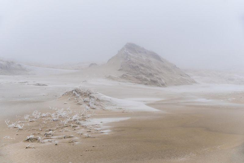 Заиндевевшие дюны...photo preview