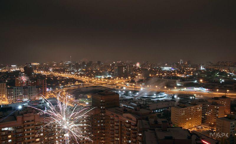 ночь город праздник новый год башкирия уфа Первые минуты Нового года.photo preview