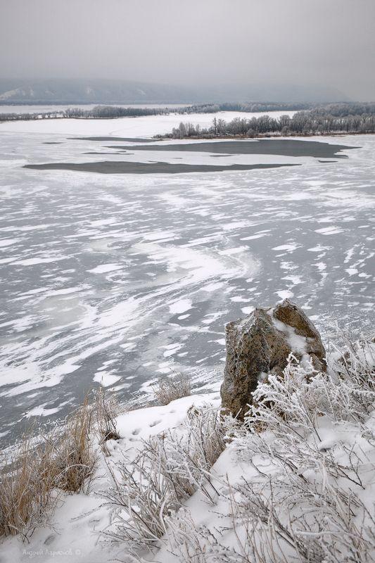 зима, пейзаж, лед, река, гора, полынья Вид на Волгу с горы Барсукphoto preview