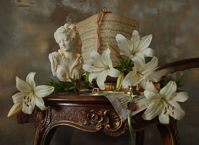 цветы, лилии, девушка, скульптура Натюрморт с лилиямиphoto preview