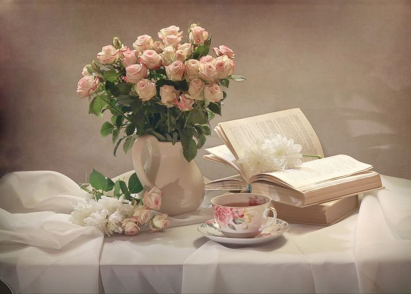 натюрморт, зима, розы, книга, фарфор Татьянин деньphoto preview