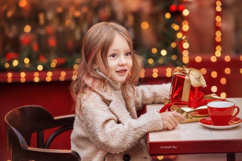 портрет, девочка, people, 105mm, kid, children, beautiful, magik, волшебство, winter, зима, боке, огоньки, кафе ***photo preview
