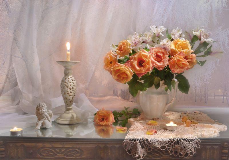 still life,цветы, фото натюрморт, розы, натюрморт, настроение,фарфор, зима,январь, праздник, татьянин день, свеча, подсвечник, зеркало, альстромерия, виноград Татьянин день...photo preview