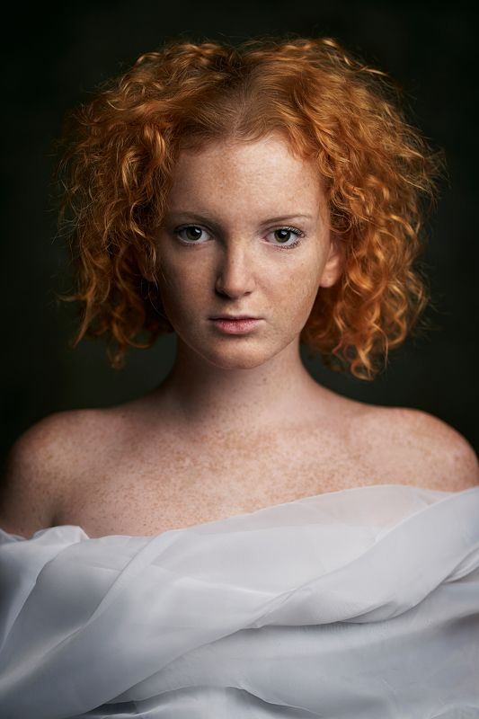portrait, girl, lowkey, black, beautiful, pretty, eyes, lips, redhead, freckles, ginger, рыжая, портрет, девушка Лераphoto preview