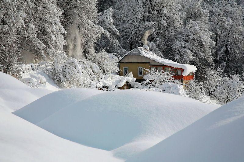 Зима горы дом Замелоphoto preview