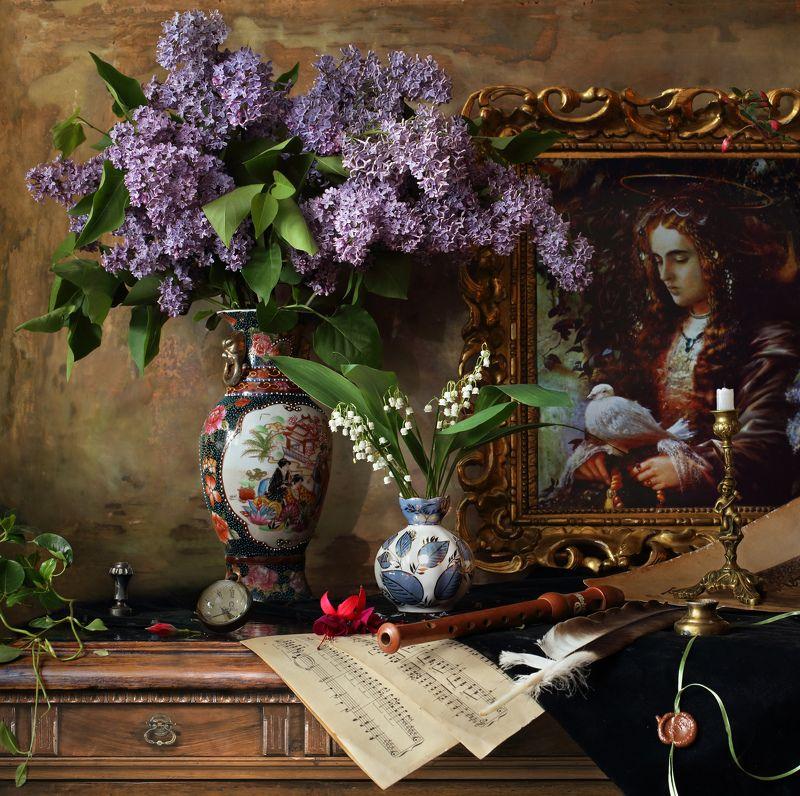 цветы, сирень, ландыши, скрипка, музыка, девушка, картина Натюрморт с цветами и картинойphoto preview