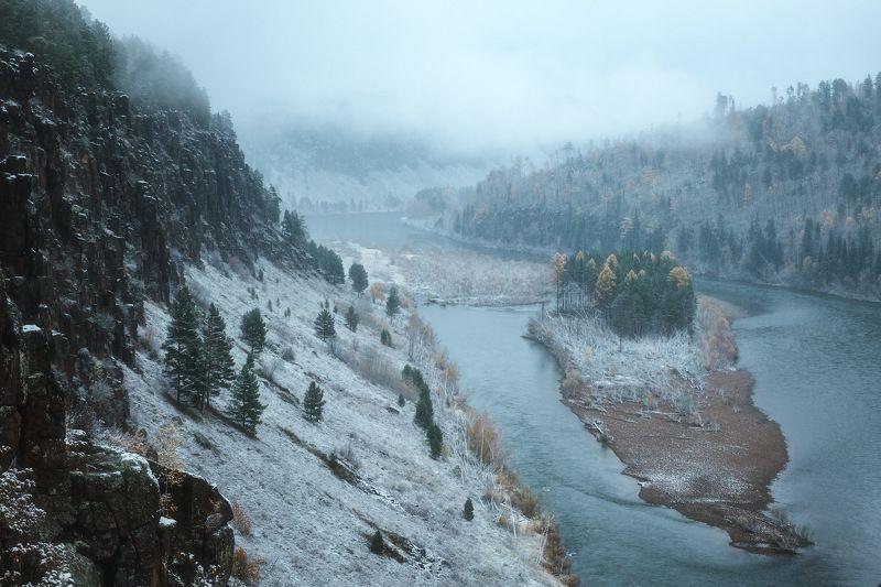 россия, иркутская область, нижнеудинск, водопад, тайга, рассвет, природа, пейзаж, снег, река, осень, ук, уда, каньон Первый снег на Удеphoto preview