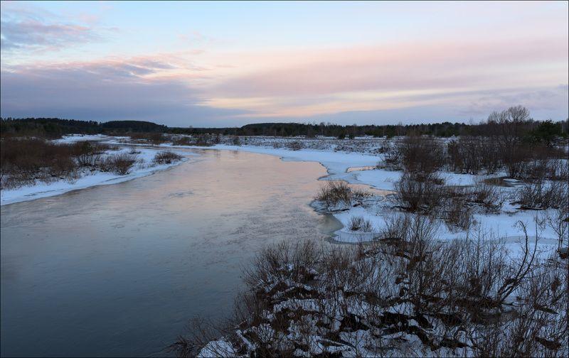 Зимнее утро на рекеphoto preview
