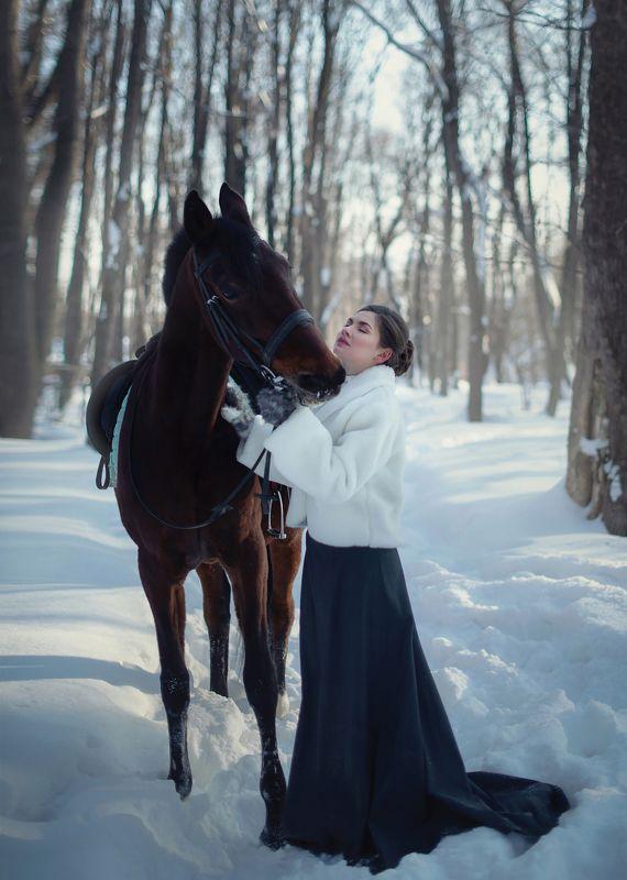 девушка, зима, лошадь, конь, барыня, эмоции, вдохновение, красавица, снег Эмоцииphoto preview