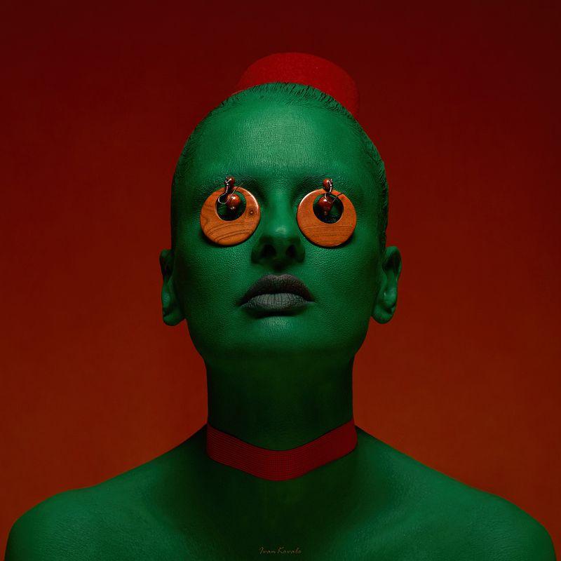 Флаг, красный, зеленый, красный, диктатура, бюллетень, глазница, на крючке, глаза, шея, удавка, кровь Жыве!photo preview