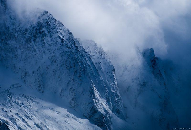 домбай,кавказ,горы,пейзаж,снег,облака,атмосфера,свет Холод и свежесть горphoto preview