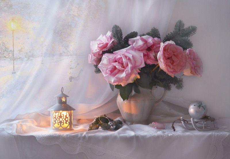 still life, натюрморт, цветы, фото натюрморт, зима, январь,последний день января, розы, подсвечник, ветки ели Ускользающему январю...photo preview