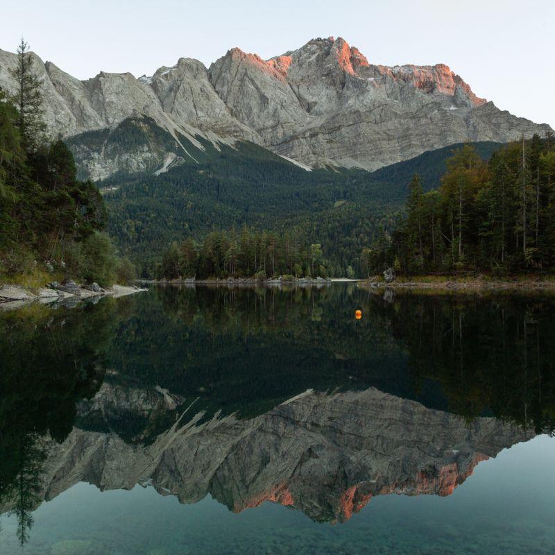 озеро; лес; горы; германия Кристальная водаphoto preview