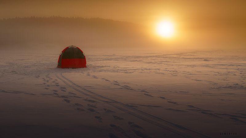 карелия, ладога, рассвет, рыбаки, зима, палатка, рыбаки, снег, туман, ice, lake, dawn, winter, dome, tent, nature. Утро на Ладоге.photo preview