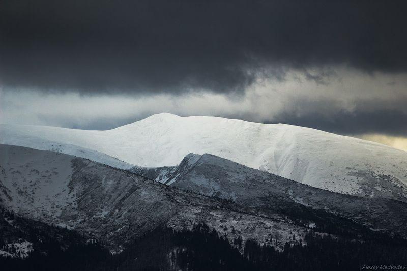 Карпаты, Украина, зима,  Предновогодние видыphoto preview