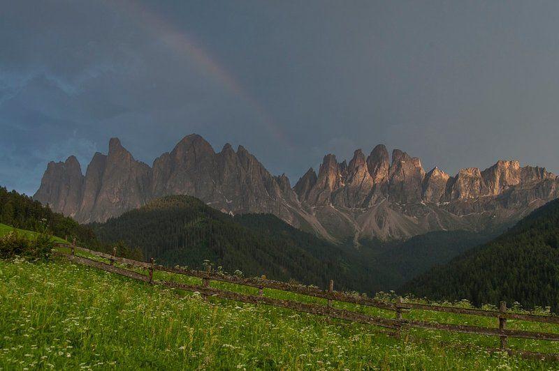Альпы, Горы, Доломиты, Италия, Путешествие, Радуга Ах, эти горы за забором!photo preview