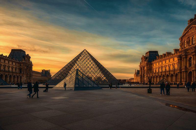 Пирамиды Лувраphoto preview