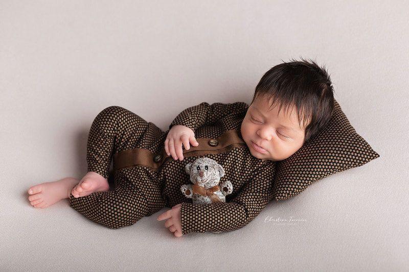 newborn photo preview