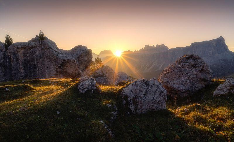 альпы, солнце, горы, италия, скалы, giau pass, veneto, italia Рассвет в Альпахphoto preview