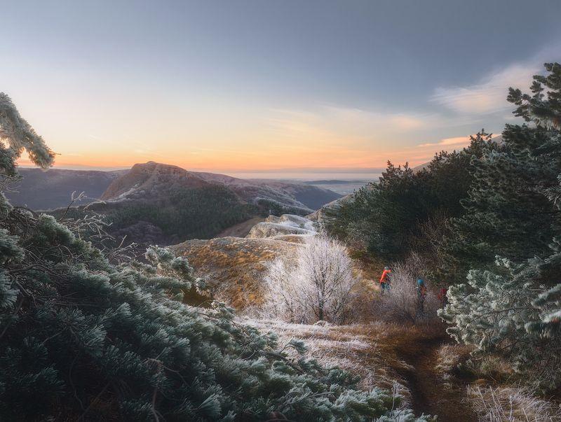 крым алушта демерджи зима горы пейзаж Гора Лысый Иванphoto preview