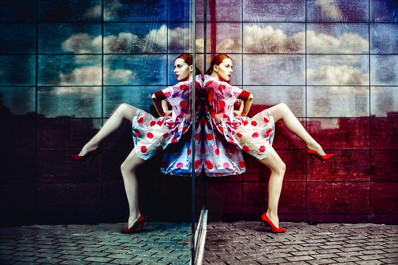 woman, portrait, fashion, beauty, outdoors, reflection Twinnedphoto preview
