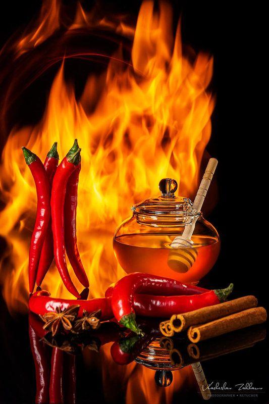 перец, мед, пламя Перец, мед и пламя...photo preview