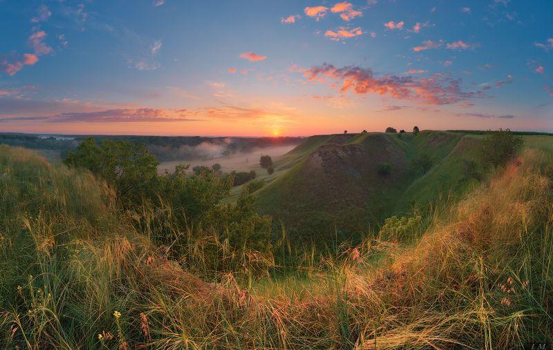 рассвет, солнце, пейзаж, панорама, холмы, лето, облака, трава, туман, sunrise, sun, landscape, foggy, panorama, summer, sky, clouds, hills, grass, meadows, misty, light, fog, colors Солнышко встает ..photo preview