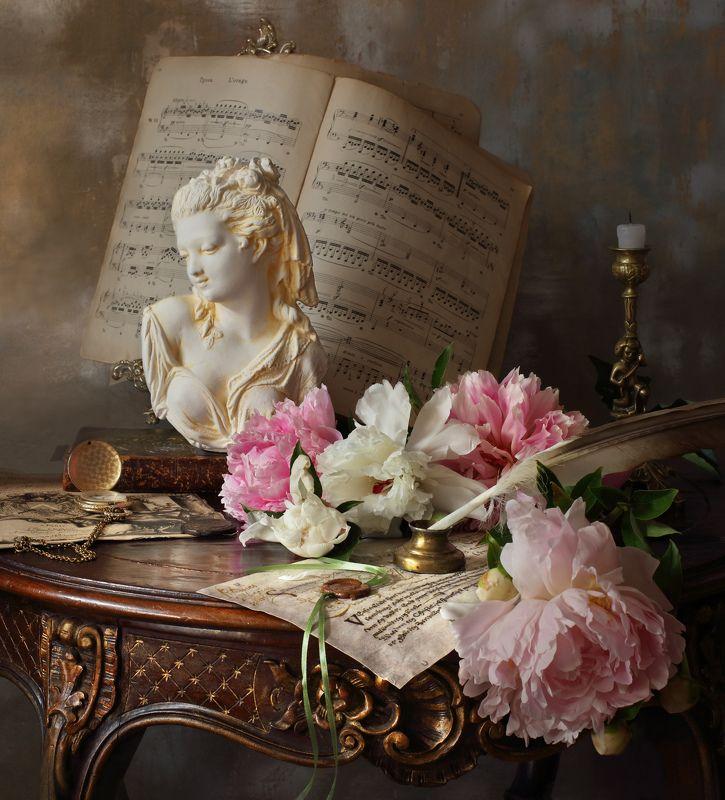 цветы, пионы, свеча, девушка, бюст, скульптура Натюрморт с пионами и бюстом девушкиphoto preview