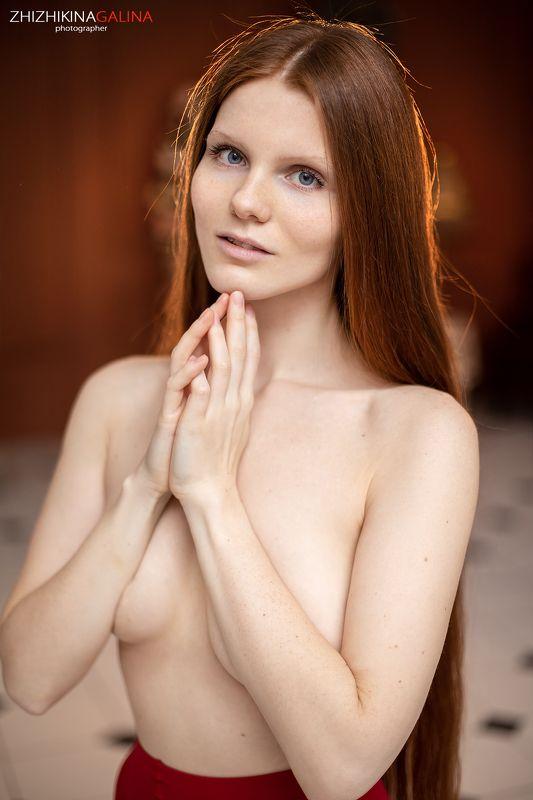девушка, рыжая, лицо, портрет, фотограф, москва, руки, нежность, прикосновение, girl, face, portrait Голубоглазкаphoto preview