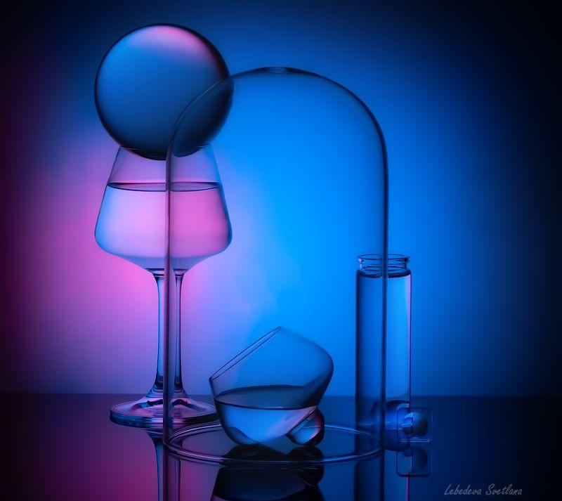 стекло,приломления Про стекло и отраженияphoto preview