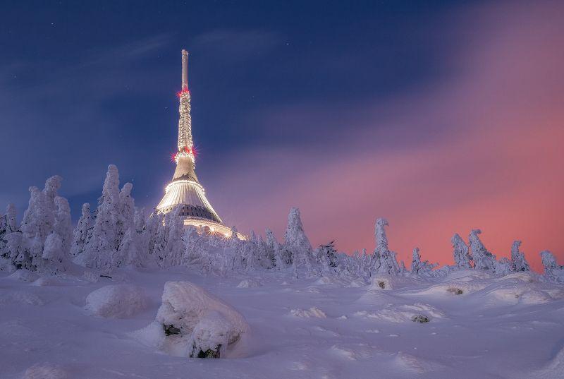 Ještěd, hory, mountains, sníh, snow, frost, mráz, cool, cold, color, sky, stars. Ještědphoto preview