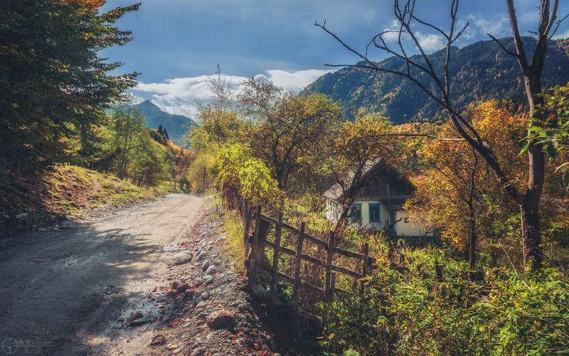 Домик в горах...photo preview