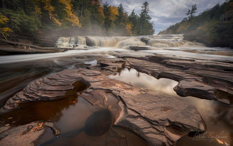 manido falls, presque isle river, porcupine mountains wilderness state park, upper peninsula, michigan, usa Manido Fallsphoto preview