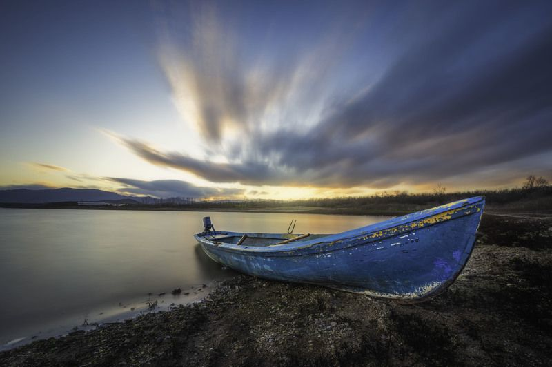 #landscape#nature#winter Lonely boatphoto preview