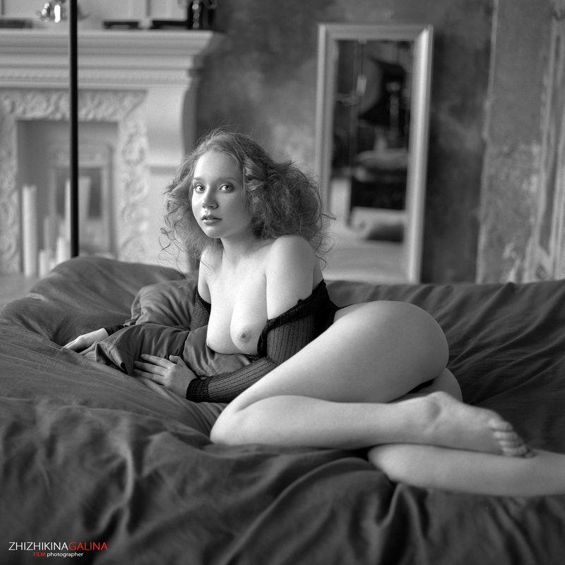 b&w, bw, black and white, film, girl, portrait, девушка, топлесс, ню, артню, чб, черно-белое, пленка, будуар Шелковая простыняphoto preview