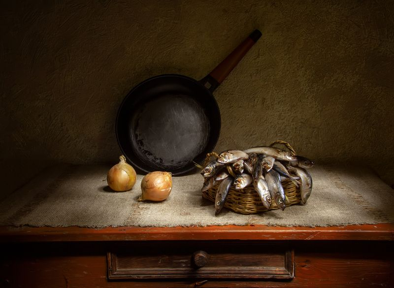 натюрморт, крымская ставридка, ставридка, рыба, лук Крымская ставридка....photo preview