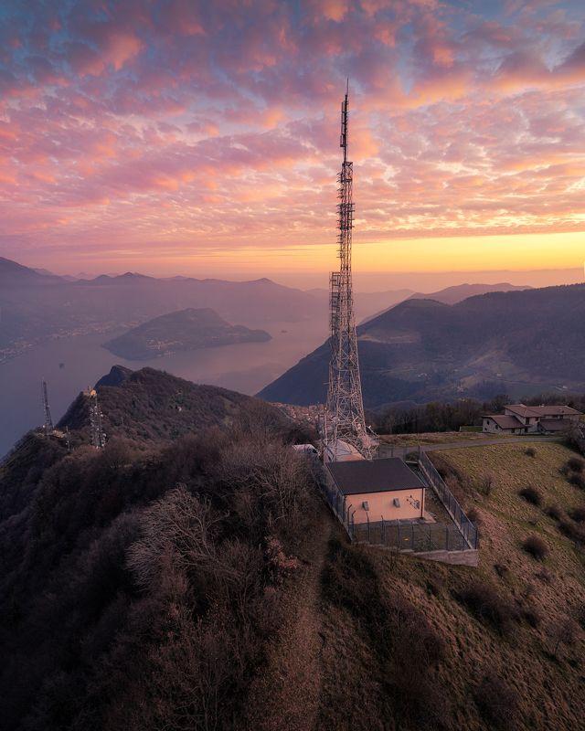 clouds, lake , iseo lake, tower, sunset, sunlight Технологии в природеphoto preview