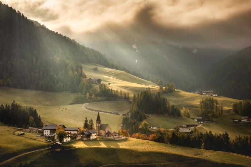 Dolomites photo preview