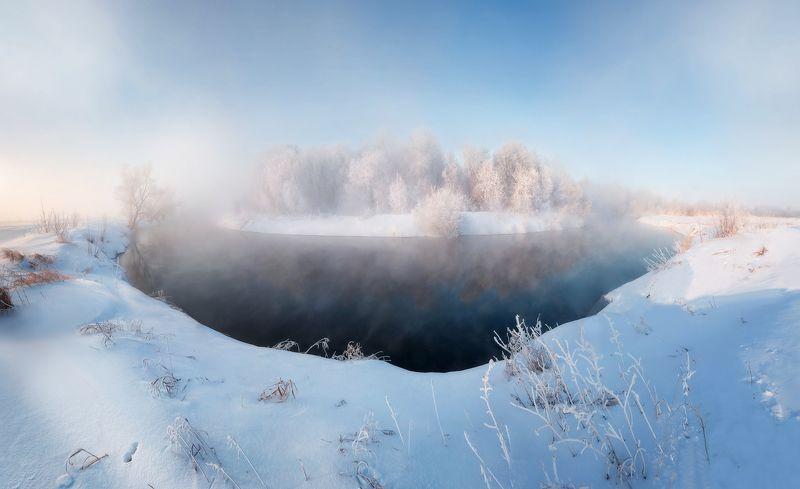 морозный иж Иж, зима, мороз, туман, зимняя река, на реке, морозное утроphoto preview