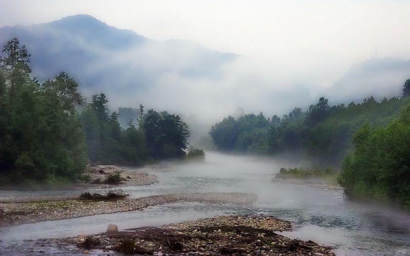 горы река туман Туман над рекойphoto preview