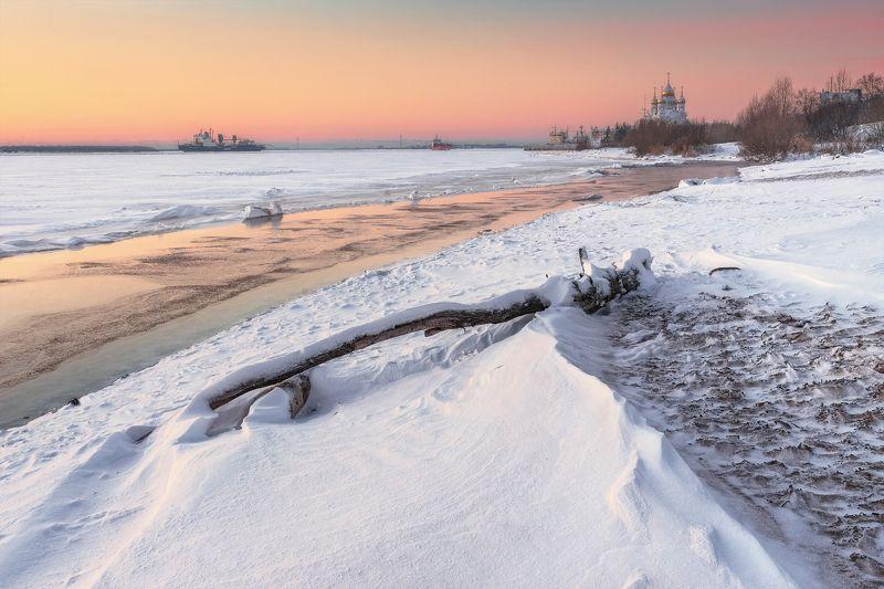 архангельск северная двина берег закат зима декабрь снег мороз дерево сугробы собор корабли Берег Северной Двины, декабрьский закатphoto preview