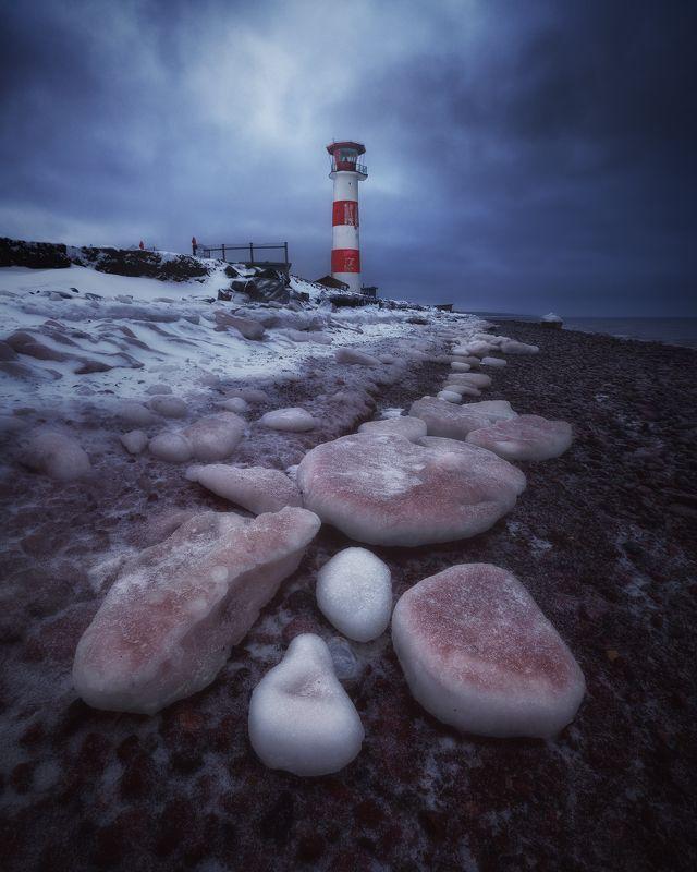 На холодном берегу фото превью