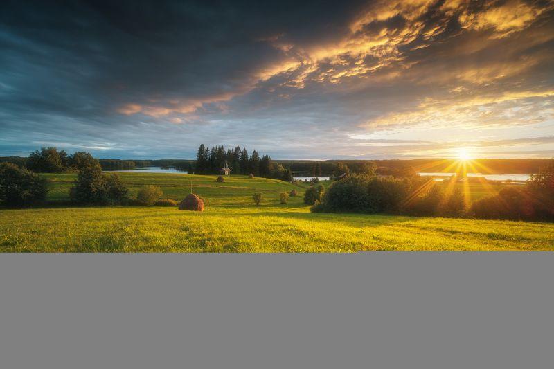 россия, архангельская область, русский север, кенозеро, кенозерье, национальный парк, пейзаж, природа, церковь, озеро, мыза, закат, стог, луг, лето, сенокос, радуга Буйство красок после грозы.photo preview