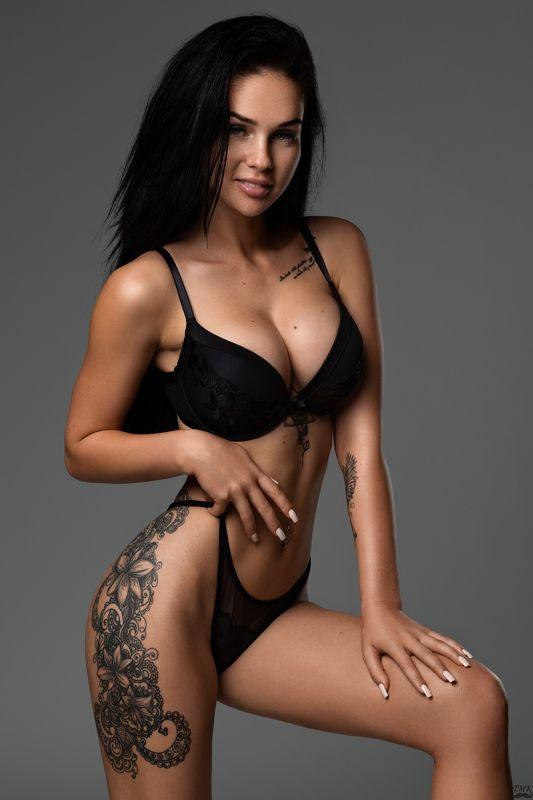 glam, glamour, sexy, brunette, tattoo, studio, girl, fit, portrait, people, nikon, godox Glam photo preview