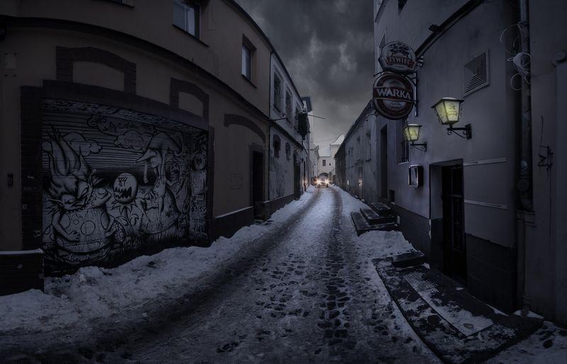 Dark alleyphoto preview