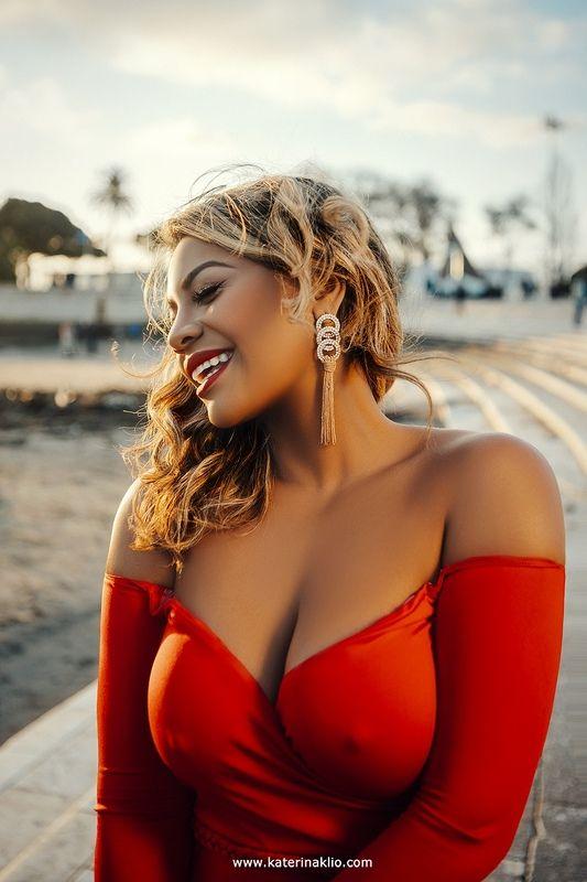 sun, woman, portrait, red, sunny, woman, posh, portugal, smile Sunphoto preview
