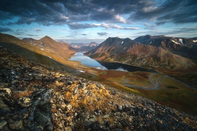 россия, урал, полярный урал, ямао, ямало-ненецкий автономный округ, салехард, горы, осень, природа, пейзаж, рассвет, отражение, озеро, тундра, лесотундра Затерянный мир Полярного Уралаphoto preview