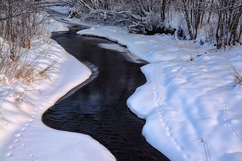 течет, ручей Течет ручей, бежит ручейphoto preview