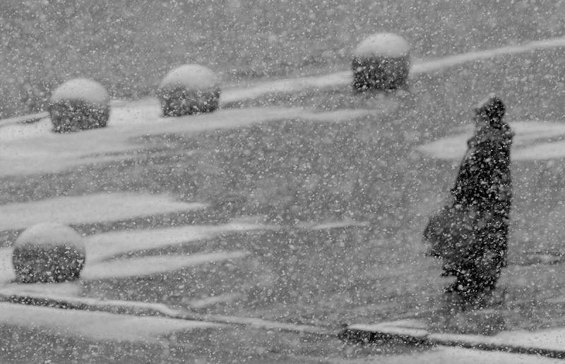 снег, город, улица Пятый элемент. Мартphoto preview