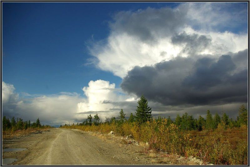 Дорога с облакамиphoto preview